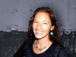 Laine Cunningham, author